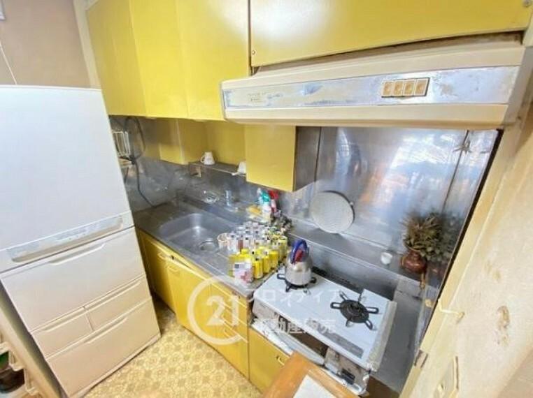 キッチン 換気扇付きのキッチンです