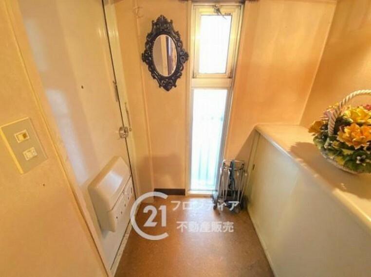 玄関 お客様にあった住宅ローンをご提案させていただきます