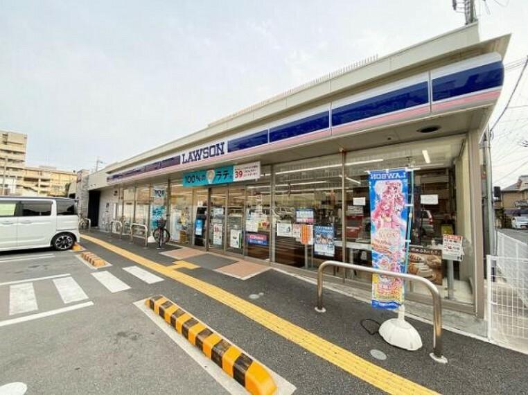 コンビニ ローソン 奈良三条添川店
