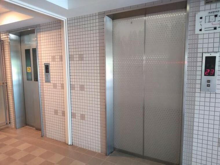 【エレベーター】エレベーターは各階すべてにとまります。エレベーターは2つあるので、忙しい時に混雑にならないので嬉しいですね。