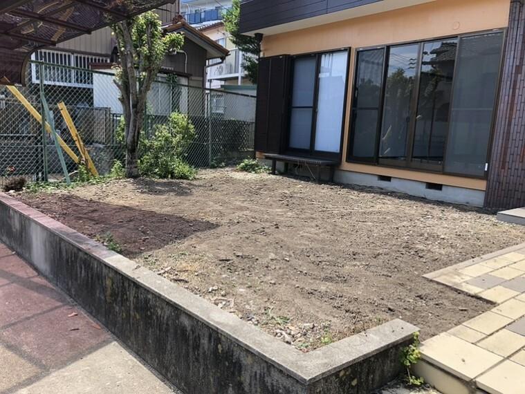 庭 ガーデニングや家庭菜園を楽しむことが出来る日当たり良好の南庭!