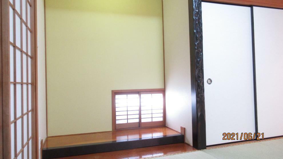 和室 和室にはリビングからも廊下からも行けるようになっている便利な2WAYの間取り!