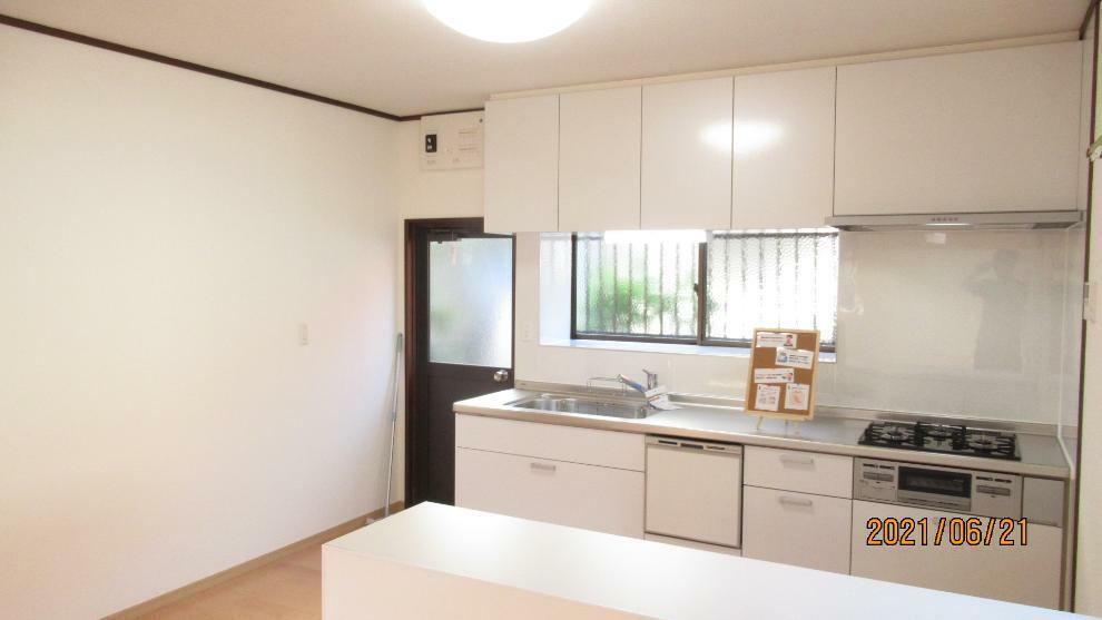 キッチン 収納スペース・作業スペースが広いキッチンは奥様にうれしいポイント!