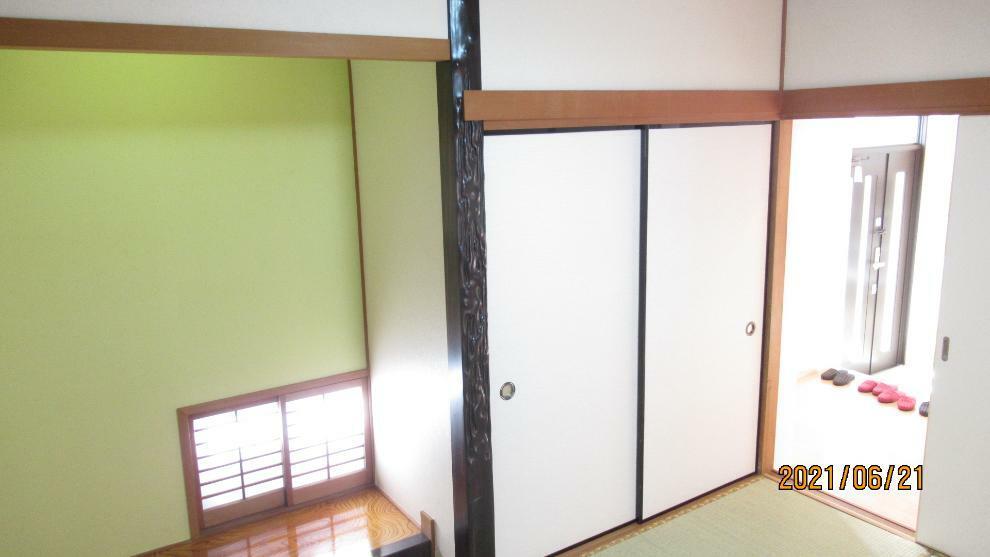 和室 床の間、障子、畳・・・くつろぎの空間は和室から。