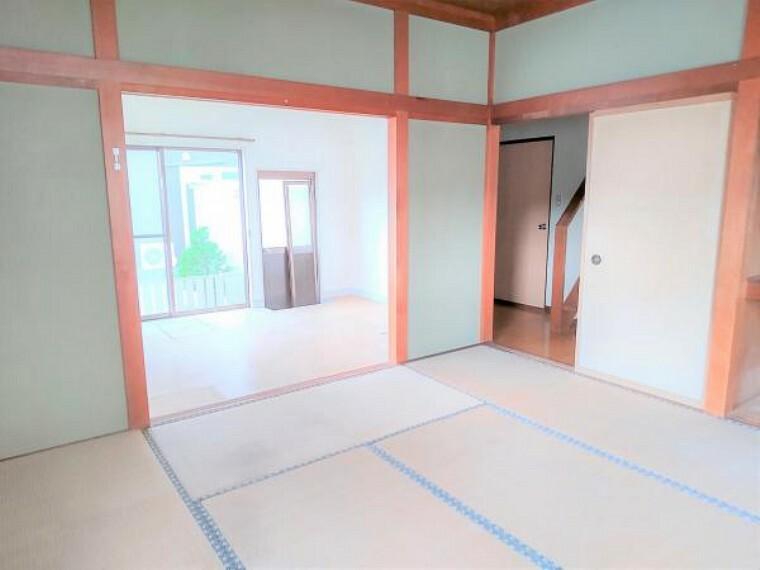 【リフォーム中】1階和室8畳の写真です。畳の表替えをして、壁のクロスを張り替える予定です。