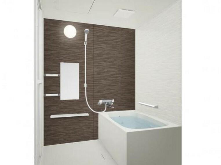 浴室 【リフォーム中】浴室はハウステック製のユニットバスに交換します。浴槽には滑り止めの凹凸があり、床は濡れた状態でも滑りにくい加工がされている安心設計です。