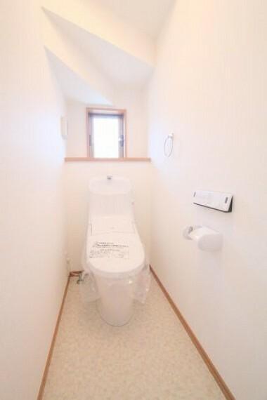 トイレ 1・2階共にトイレがございます