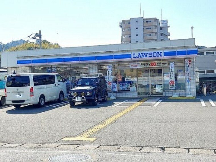 コンビニ 【コンビニエンスストア】ローソン 高知神田店まで545m