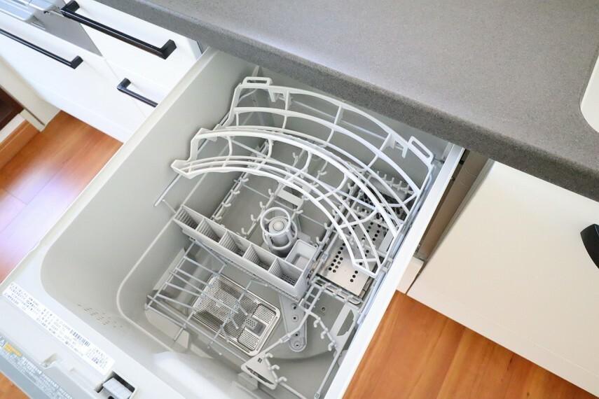 食器洗浄乾燥機  嬉しい食洗機付き  外から食器が見えないのでキッチンがスッキリしますね