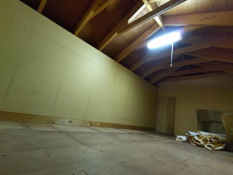 収納 【リフォーム中】便利な小屋裏収納がついています。季節品や思い出の品も十分にしまえるスペースがあり便利です。