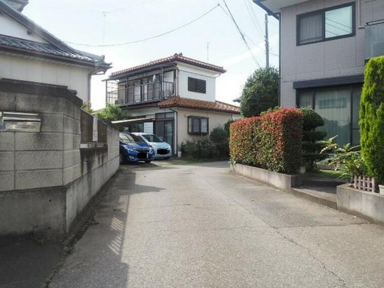 現況写真 前面道路です。交通アクセスは東武伊勢崎・大師線「境町」駅徒歩圏内です。