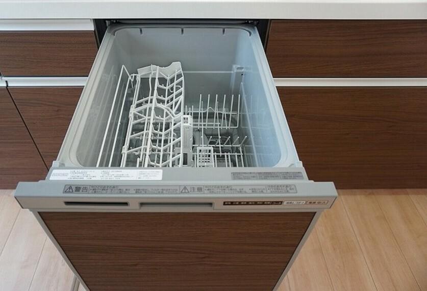 キッチン 同仕様写真。炊事時間を大幅に短縮できる食器洗浄乾燥機付きです^^