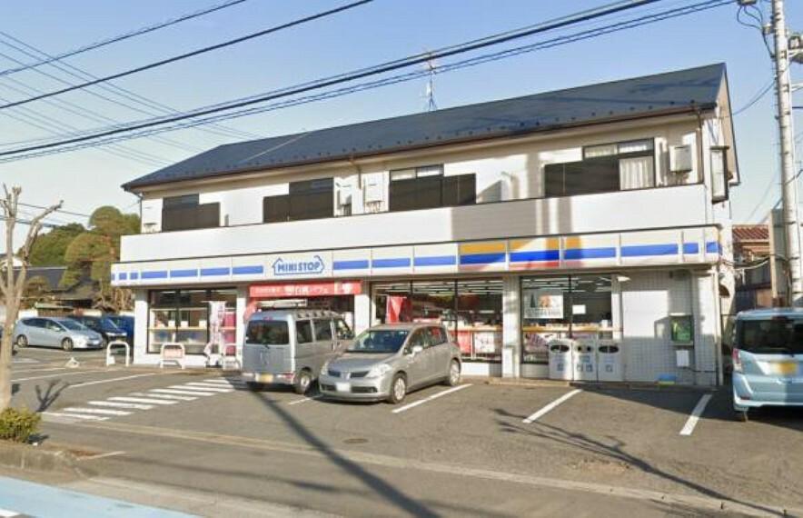 コンビニ ミニストップ大宮内谷本郷店750m