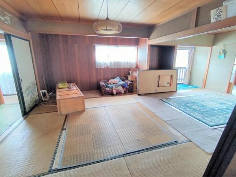 洋室 【リフォーム中】1階和室は、洋室に間取り変更します。床はフローリング、壁天井クロス貼替、クローゼットは新設します。お子様のお部屋にいかがですか。