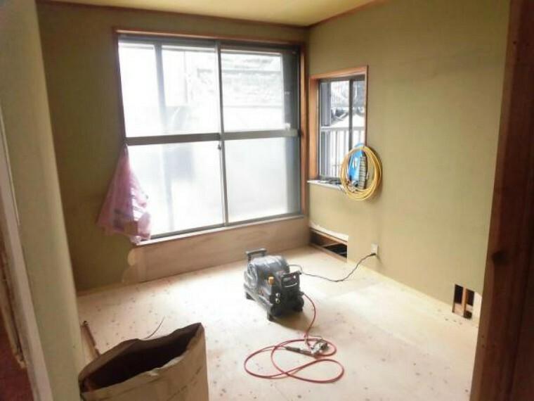 現在リフォーム中。2階南西側和室は洋室に間取変更を行います。