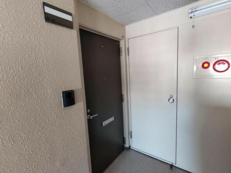 玄関 【玄関ドア】