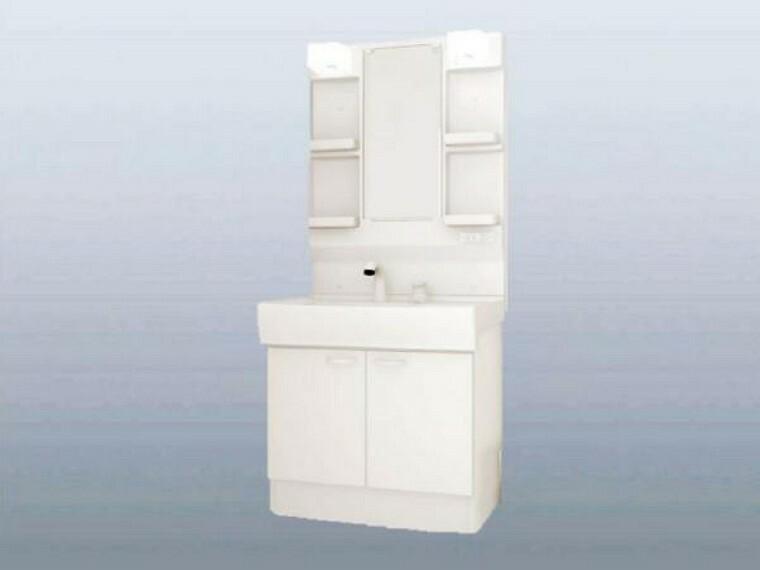 洗面化粧台 【同仕様写真】ハウステック製、幅750ミリのシャワー付き洗面化粧台を設置予定。収納も便利で、三面鏡の中にもたっぷり収納できます。もちろん脱衣所の床・天井・壁クロス張り替えします。