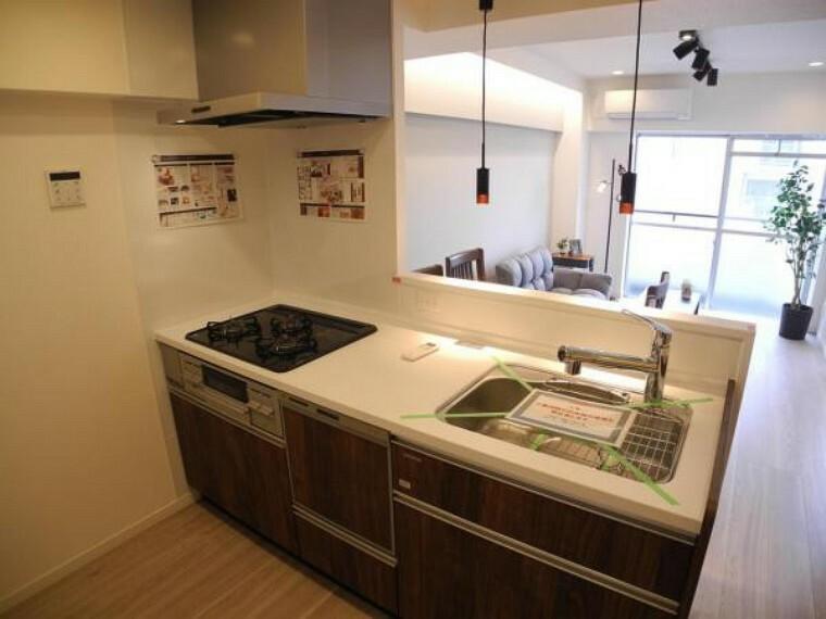 キッチン リビング全体を見渡せる対面キッチン ビルトイン食洗機付