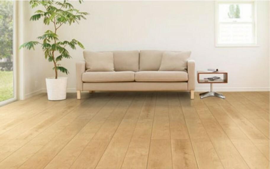 【床】 ワックス不要・抗菌対応! 日頃のお手入れもカンタン。また、表面に安全性の高い抗菌処理を施し、各種細菌の繁殖を抑制します。 水や汚れが染込みにくいくく、食べこぼし等も拭きとりやすい床材です。