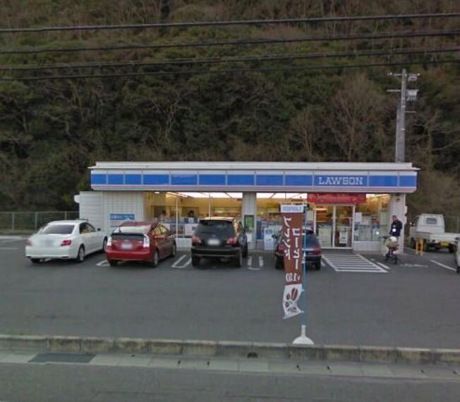 コンビニ ローソン 岡山北警察署前店