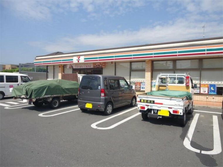 コンビニ セブンイレブン 岡山横井上店