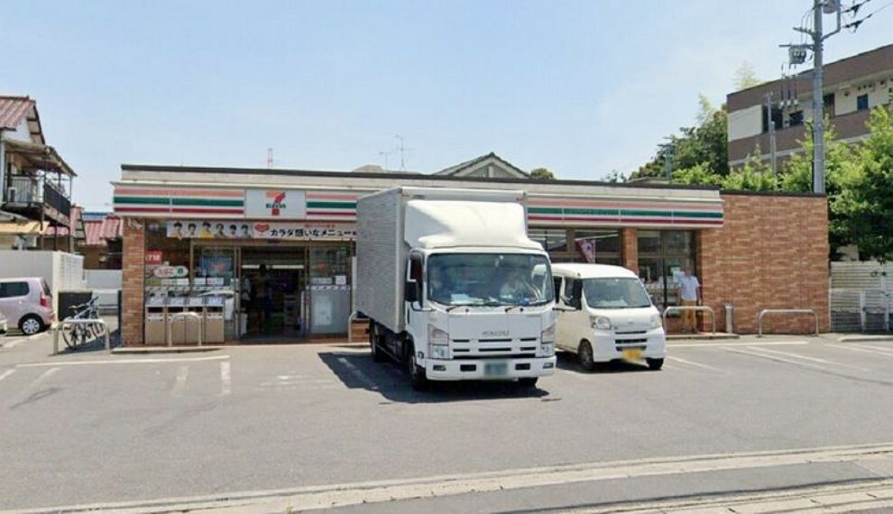 コンビニ セブンイレブン南鎌ケ谷3丁目店 徒歩12分。