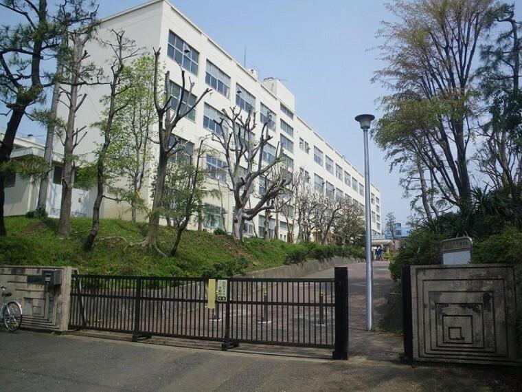中学校 山内中学校