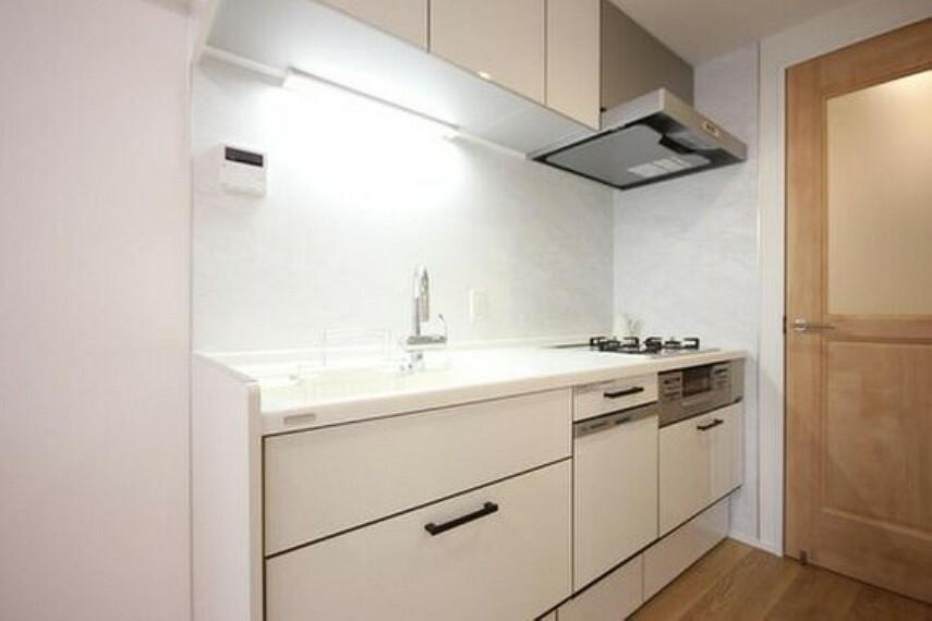 キッチン 開放感のあるキッチンスペース。調理をしながら、会話が弾み、日々の料理造りが楽しくなりそうですね。