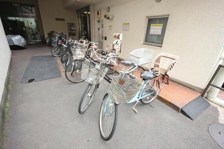 駐輪場 駐輪場には、バイク置き場も併設されております。
