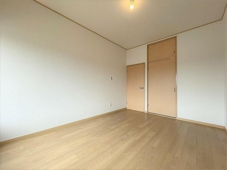 子供部屋 広すぎない子供部屋なので、お片付けもらくらくですね。