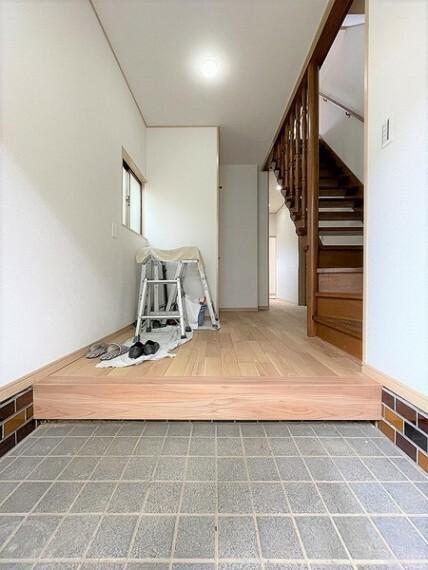 玄関 無駄がなく、シンプルに使いやすい玄関ですね。