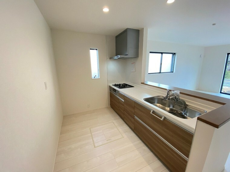 キッチン 大容量収納できるゆとりのある広いキッチンです。