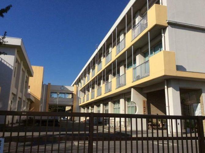 中学校 千葉市立/磯辺中学校 徒歩4分。