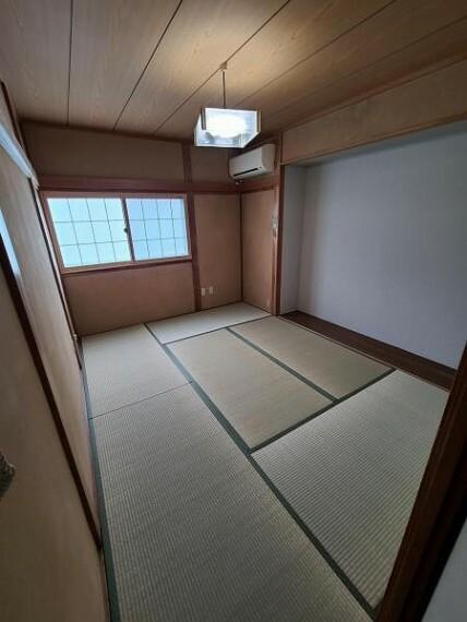 和室 和室6帖:柔らかい畳の上なら、小さなお子さまを遊ばせるのも安心ですね!