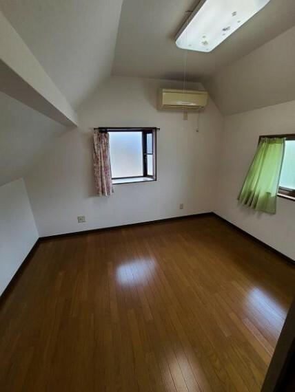寝室 洋室6帖:自分の時間をゆったりと過ごせる大切なプライベート空間をつくってください