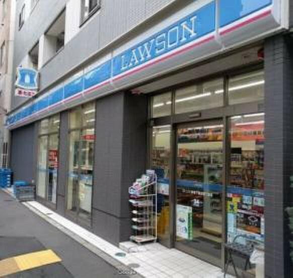 コンビニ 【コンビニエンスストア】ローソン 新宿下落合四丁目店まで533m