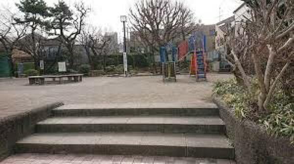公園 【公園】新宿区立下落合公園まで537m