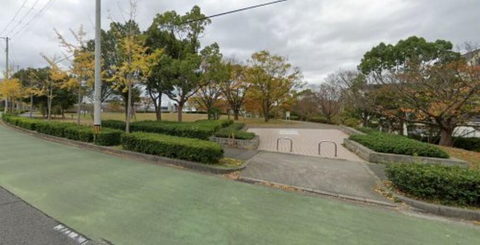 公園 【公園】学園東町公園まで614m