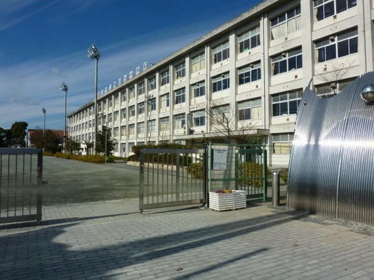 中学校 豊田市立猿投台中学校