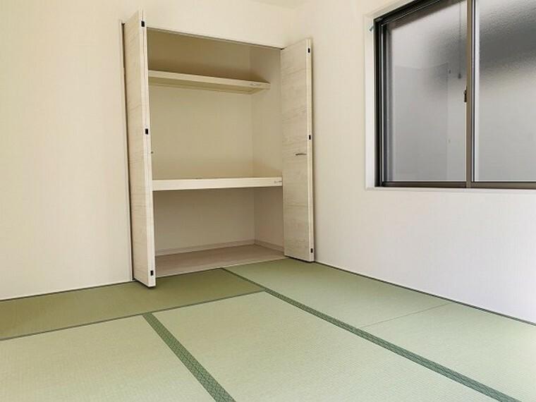 和室 和室・6帖。夏は涼しく、冬は暖かく過ごせる畳のお部屋。家族団らんを楽しむこともできます!