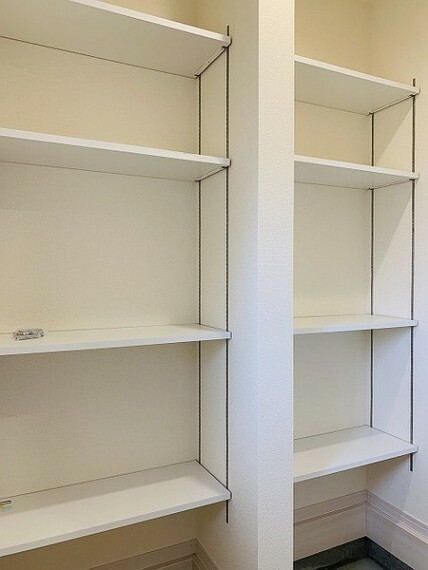 収納 玄関にもシューズインクローゼットがあり靴箱以外にもたっぷり収納できます。