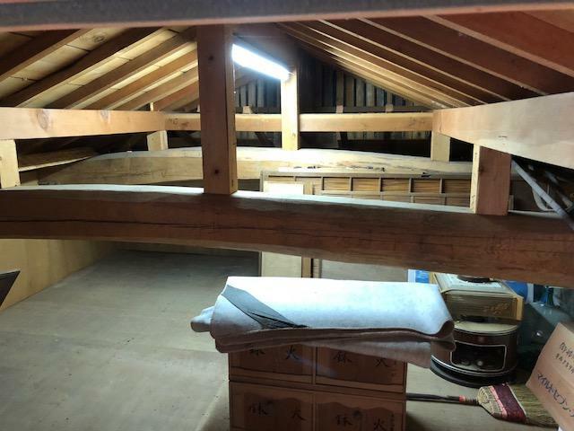 収納 屋根裏収納庫
