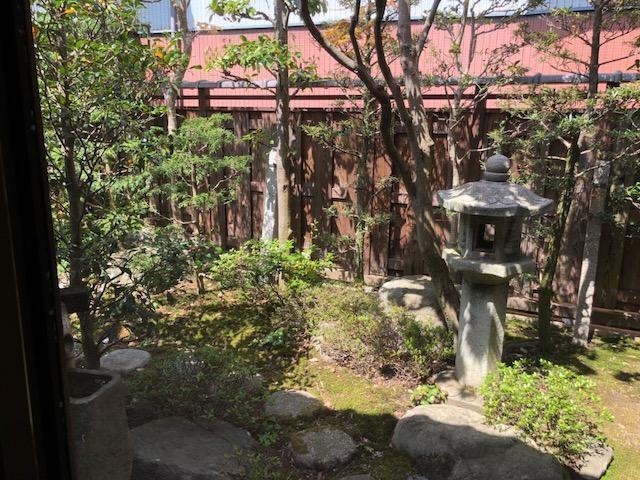 眺望 中庭の風景
