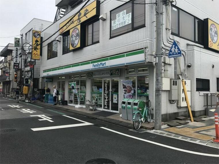 コンビニ ファミリーマート 日進駅南口店