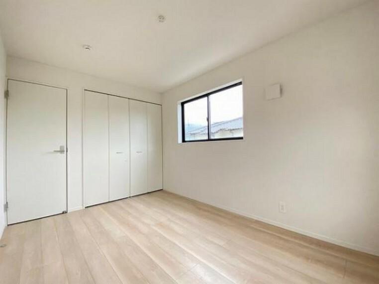 子供部屋 6帖以上の洋室は客室やお布団で寝るときにぴったりの空間ですね。