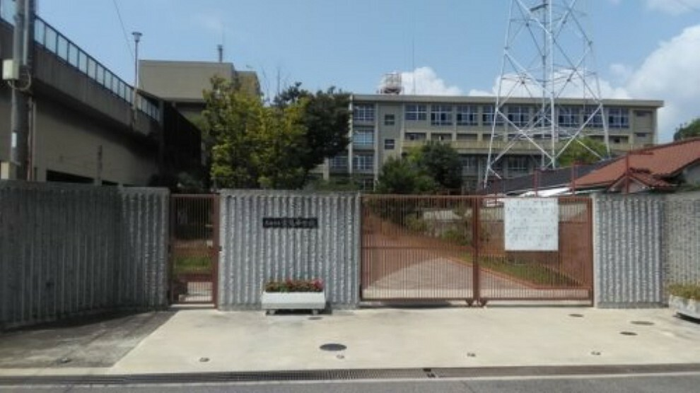 中学校 【中学校】尼崎市立常陽中学校まで928m