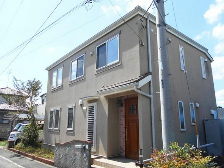 外観写真 三井ホーム(株)施工の2×4住宅。緑豊かな閑静な住宅地。家計に優しいオール電化住宅。