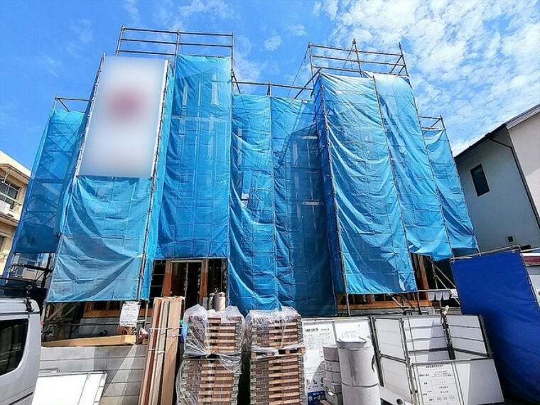 現況外観写真 建物の基礎・構造といった目には見えにくい部分もしっかりこだわったお家です。安心して永くお住まいいただけます。 ■多摩市聖ヶ丘1 新築一戸建て■
