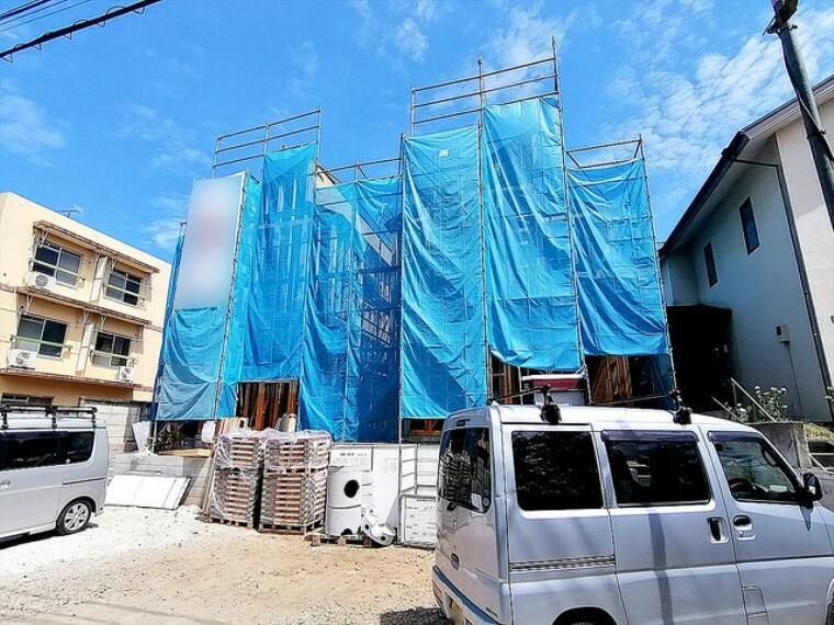 現況外観写真 風通しや採光にも気を配った設計のお家は、快適な住環境をお約束します。 ■多摩市聖ヶ丘1 新築一戸建て■
