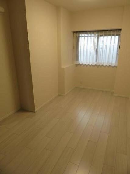 寝室 洋室 約6.1帖